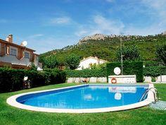 Un jardín, una gran piscina… ¿qué más se necesita para vivir un verano de ensueño?