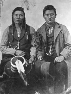 Although there are a number of photos of Chief Joseph posted in the thread Old Nez Perce photos, I think this remarkable leader deserves a thread of his own. Also by starting this one, I hope some North American Tribes, American Indians, Native American Pictures, Native American History, First Nations, Chief Joseph, American Indian Tattoos, West Art, Mayan Symbols