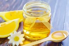 We all know how annoying a runny nose can be. We are forever in search of effective home remedies on how to stop a runny nose fast. Your search ends here! Homemade Face Pack, Face Scrub Homemade, Honey Lemon Water, Homemade Cough Syrup, The Doctor, Honey Benefits, Honey And Cinnamon, Peeling, Junk Food