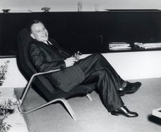Saarinen relaxing in his Grasshopper Chair, Model No 61U; the first piece he designed for Knoll.