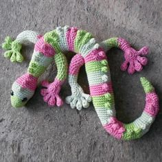Gecko Frecko – super crochet animal in a spiral with no slipstitch at the end of the round. Below you will find written precise pattern in PDF with step by step tutorial. This pattern is av…