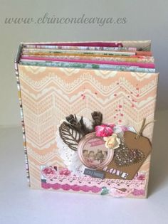 "Tutorial: Mini álbum ""Spring"" encuadernado con brads EL RINCON DE ARYA Mini Albums Scrap, Mini Scrapbook Albums, Scrapbook Pages, Book Making, Card Making, Diy And Crafts, Paper Crafts, Recycled Books, Mini Album Tutorial"