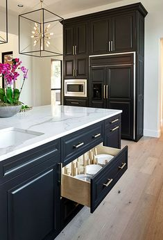The Best Cabinets for Your Kitchen - Kitchen Remodel Ideas - Black, White and Gold Transitional Kitchen with European White Oak Floors. Home Decor Kitchen, Kitchen Flooring, Transitional Kitchen, Kitchen Remodel, Interior Design Kitchen, European White Oak Floors, Kitchen Renovation, White Oak Floors, Kitchen Design