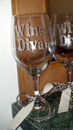 Etched Wine Head wine glass