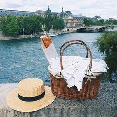 parisian chic Paris 3, Paris France, Belle France, Bon Weekend, Picnic Time, Parisian Chic, Life Is Good, Around The Worlds, 1