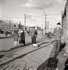1947 in der Invalidenstrasse vor dem Stettiner Bahnhof