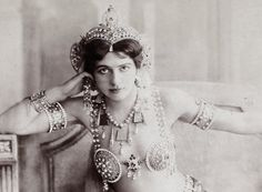 A spy in the house of L💙V E. Mata Hari sporting our Extra Cute condoms. Summer is still here (at least in our minds) . Mata Hari, Vintage Glamour, Vintage Beauty, Vintage Models, Vintage Ladies, James Dean, Audrey Hepburn, American Pride, Runway Models