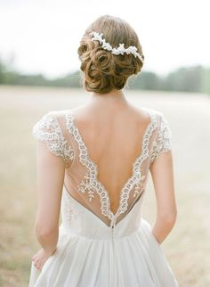 10 Beautiful Backless Wedding Gowns: Sally Eagle gown via Magnolia Rouge