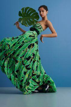 Diane von Furstenberg Resort 2019 Fashion Show Collection: See the complete Diane von Furstenberg Resort 2019 collection. Look 3