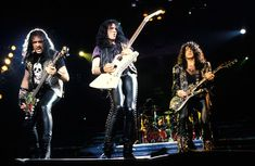 An Inside Look At The Bewildering Life Of Legendary Rocker Eddie Van Halen Kiss Band, Kiss Songs, Gene Simmons Kiss, Vinnie Vincent, Kiss Photo, Paul Stanley, Eddie Van Halen, Hot Band, Boogie Woogie