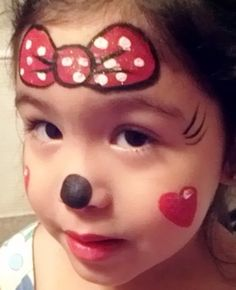 easy Minnie Mouse face paint