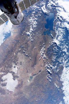 El Salar de Uyuni y el Lago Titicaca fotografiados desde la Estación Espacial Internacional