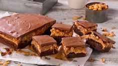Snickers-brownies Snicker Brownies, Caesar Pasta Salads, Brownie Bar, What To Cook, Marshmallows, Cake Recipes, Sweet Tooth, Food Porn, Food And Drink