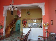 Detalle del interior de la vivienda. Cienfuegos, Loft, Bed, Outdoor Decor, Furniture, Home Decor, Interiors, Decoration Home, Stream Bed