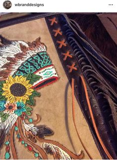 Leather Carving, Leather Art, Sewing Leather, Painting Leather, Leather Books, Leather Pattern, Leather Crafts, Tooled Leather, Leather Projects