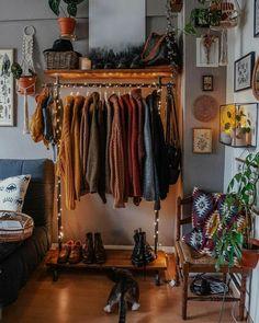 Budget Home Decorating, Apartments Decorating, Decorating Bedrooms, Decorating Ideas, Indie Room, Cute Room Decor, Room Ideas Bedroom, Bedroom Inspo, Hipster Bedroom Decor