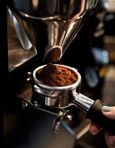 There are many things we can be thankful to Italy for. But among these fantastic cultural contributions is Italy's crown jewel: the fine art of making espresso. http://thecoffeecontessa.com