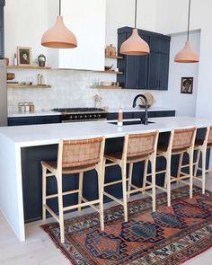Scandinavian kitchen wide marble kitchen worktop w Küchen Design, Home Design, Layout Design, Design Styles, Design Ideas, Home Decor Kitchen, Kitchen Interior, Home Kitchens, Kitchen Ideas