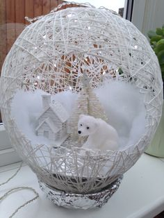 In this DIY tutorial, we will show you how to make Christmas decorations for your home. The video consists of 23 Christmas craft ideas. Christmas Love, Diy Christmas Ornaments, Christmas Projects, Holiday Crafts, Christmas Decorations, Christmas Design, Miniature Christmas, Christmas Ideas, Diy And Crafts
