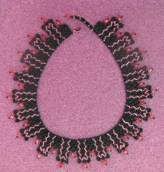 Free pattern for necklace Damiani - 1  #heartbeadwork #nettingstitch