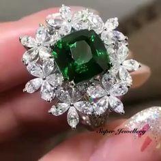 #cartier#vca#Piaget#Chaumet#bvlgari#tiffany#Debeers#chopard#finejewelry#highjewellery#luxuryjewelry#diamondjewelry#watch#vancleefandarpels#vancleefarpels#Diamond#pinkdiamond#ruby#sapphire#emerald#fashion#luxury#jewelry#Harrywinston#Qatar#Doha#Dubai#SaudiArabia#beijing#shanghai