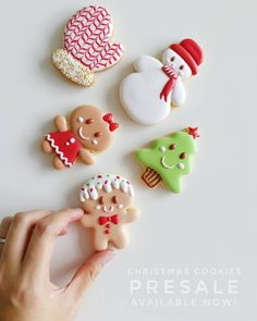 Christmas Cookies - Presale available now at ❤ This Christmas we decided to make everyone happy. The cutest smiley face is a must! 😉 Order via whatsapp : 0162195933 Collection date : December 2017 Batch) Cute Christmas Cookies, Christmas Deserts, Iced Cookies, Royal Icing Cookies, Holiday Cookies, Cookies Et Biscuits, Fancy Cookies, Cute Cookies, Cupcake Cookies