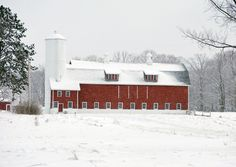 Still largely agricultural, the Egg Harbor vicinity presents many scenes like this. (Courtesy Jeff Larson/myBudgetTravel)