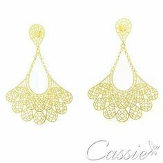 Fique na moda com a Cassie.  ✨ Pague suas semijoias em até 10x sem juros.   Frete grátis para compras acima de R$ 150,00 .    Brinco Leque Catena folheado a ouro.  Confira os outros modelos de brincos leques em nossa loja www.cassie.com.br  #Cassie #semijoias #acessórios #trends #tendências #estilo #inspiração #inlove #brincos #leque #folheado #arrase #instamoda #instalinda #moda #fashion #dourado