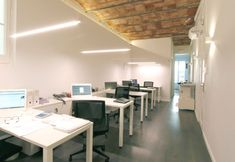 Reforma interior Sitges, Conference Room, Table, Furniture, Home Decor, Buildings, House Decorations, Interiors