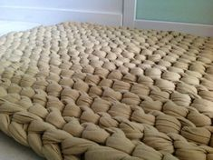 Super-chunky knit floor rug