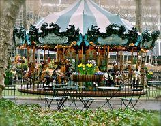 Bryant Park Carousel  Jardin de style français appeler le Petit Luxembourg  Entre la 5th et 6th - 40th/42nd