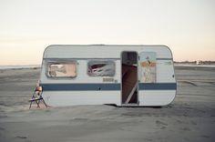 Lost caravan, by Simon Alibert
