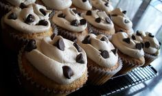The Farm Girl Recipes: Chocolate Chip Cookie Dough Cupcakes
