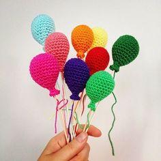Amigurumi Balon Yapılışı Crochet Home, Crochet Gifts, Cute Crochet, Crochet For Kids, Crochet Dolls, Amigurumi Patterns, Crochet Patterns, Crochet Decoration, Crochet Accessories