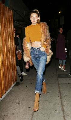 Follow my boards on Pinterest ❤❤❤ . Maite .  Gigi Hadid Just Wore Boyfriend Jeans in the Coolest Way via @WhoWhatWearUK