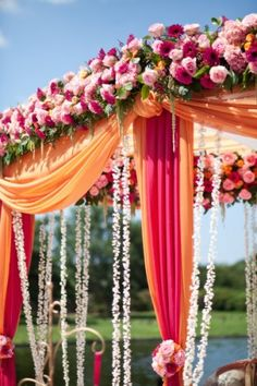 Mandap Decor (Especially Those Garlands of Tiny White Flowers! Indian Wedding Ceremony, Wedding Mandap, Big Fat Indian Wedding, Desi Wedding, Wedding Stage, Luxury Wedding, Wedding Gazebo, Wedding Dresses, Wedding Entrance