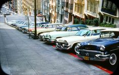 Vintage American cars lined up on the streets of San Francisco. San Francisco, San Diego, Us Cars, City Streets, Car Photos, Old Pictures, Vintage Cars, Vintage Photos, Antique Cars