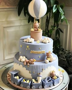 Baby Shower Cakes - Cute bear cake with hot air balloon! Torta Baby Shower, Baby Shower Cakes For Boys, Baby Boy Cakes, Boy Baby Shower Themes, Baby Boy Shower, Baby Boy Birthday Cake, Bear Birthday, Teddy Bear Cakes, Cupcake Cakes
