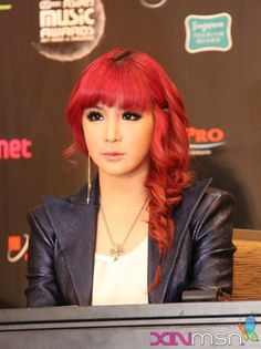 Park Bom's hair always rocks