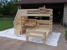 Diy bunk bed - Timeless Wood lofts and bunk beds Loft Bunk Beds, Bunk Bed Plans, Bunk Beds With Stairs, Kids Bunk Beds, Pallet Bunk Beds, Diy Bunkbeds, Bunk Bed With Desk, Kids Beds Diy, Boys Bunk Bed Room Ideas