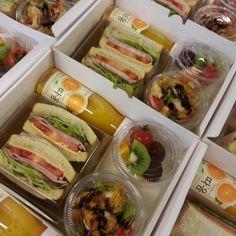 33 Ideas Fruit Shop Parties For 2019 Salad recipes Sandwich Bar, Sandwich Ideas, Fruit Shop, Good Food, Yummy Food, Cooking Recipes, Healthy Recipes, Salad Recipes, Snacks Für Party