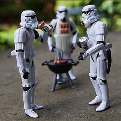 may the fourth - sausage Big Green Egg Grill, Cooking Over Fire, Weber Bbq, Bar B Que, Smoke Grill, Gas Bbq, Star Wars Girls, Chuck Wagon, Fun Shots