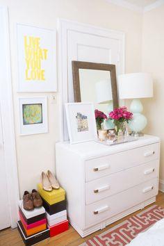 Alaina Kaczmarski's Lincoln Park Apartment Tour #theeverygirl #bedroom #vintage dresser #graphic rug