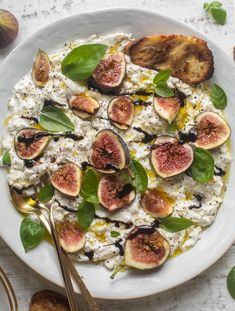 This fig caprese is perfect for late summer! Creamy burrata cheese, fresh basil, good olive oil and balsamic glaze makes it incredible. Cheese Appetizers, Appetizer Recipes, Snack Recipes, Side Dish Recipes, Side Dishes, Lemon Butter Chicken, Sandwiches, Dried Figs, Proper Tasty