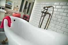 Jak stworzyć retro łazienkę. Przewodnik krok po kroku http://dekordia.pl/informacje/jak-stworzyc-lazienke-retro.html