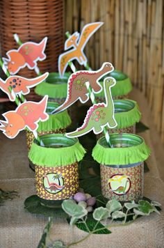 Drinks at a Dinosaur Party #dinosaur #partydrinks