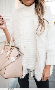 winter outfits casual winter fashion 2017 winter fashion outfits winter fashion cold winter fashion 2017 street style winter style winter sweaters winter clothes winter looks winter layering outfits Fall Winter Outfits, Autumn Winter Fashion, Casual Winter, Winter Wear, Winter Clothes, Casual Summer, Summer Outfit, Colorful Outfits, White Fur Vest