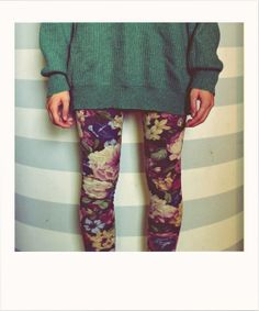 love this. wish i was brave enough for floral leggings.