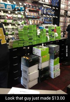 Gamestop is the best! Pawn Stars, Funny Photos, Best Funny Pictures, Vidéo Gag, Playstation, Video Humour, Games Stop, One Day Sale, Making 10