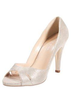 Jonak Peep Toe - or za 369 zł zamów bezpłatnie na Zalando. Fancy Shoes, Pretty Shoes, Me Too Shoes, Shoes Heels Pumps, Nude Heels, Mode Rock, Walking In High Heels, Peep Toe, Wedding Shoes Bride
